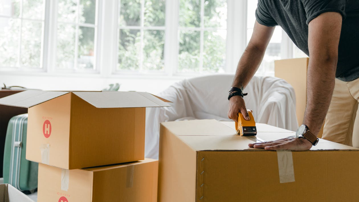 4 Tips for Hiring the Right Furniture Removal Company